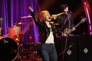 Late Night with Seth Meyers - Paramore